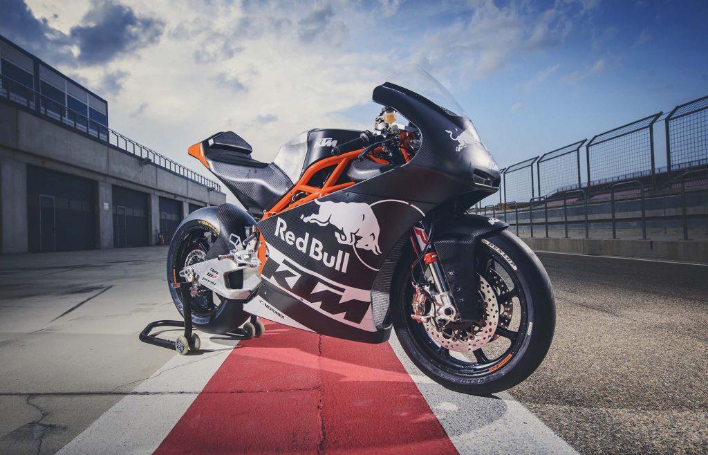 ktm-moto2-race-bike-debut-07