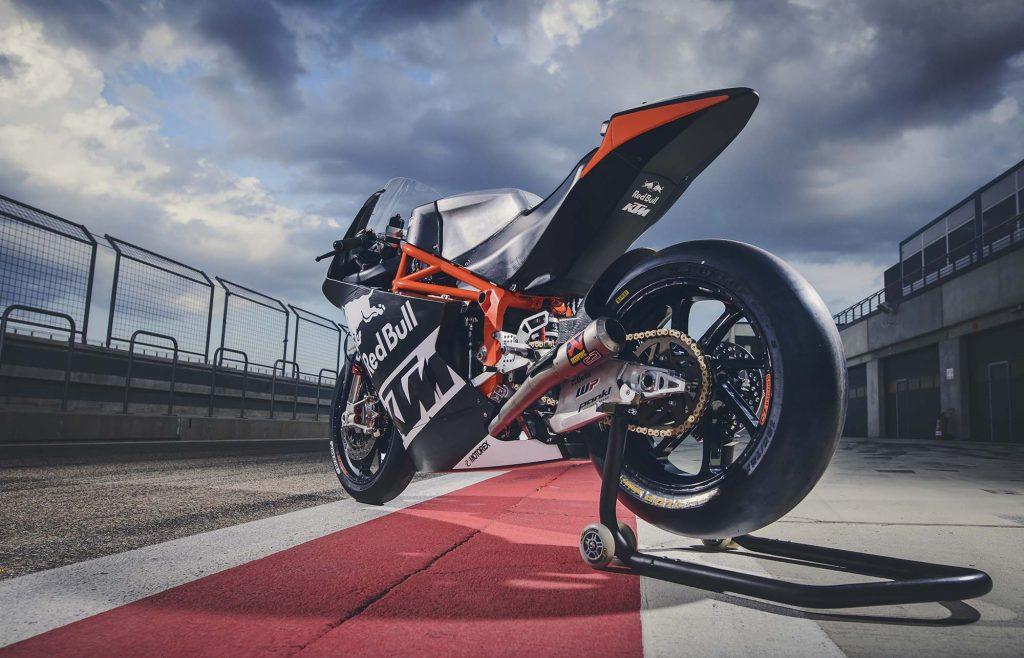 ktm-moto2-race-bike-debut-08