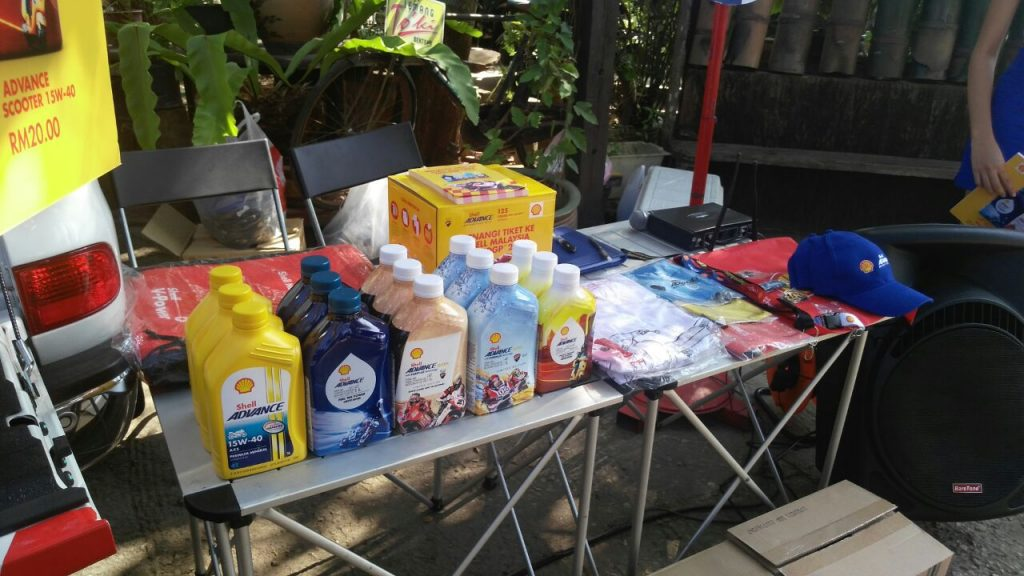shell-advance-limited-edition-packs-on-sale-at-the-roadshow