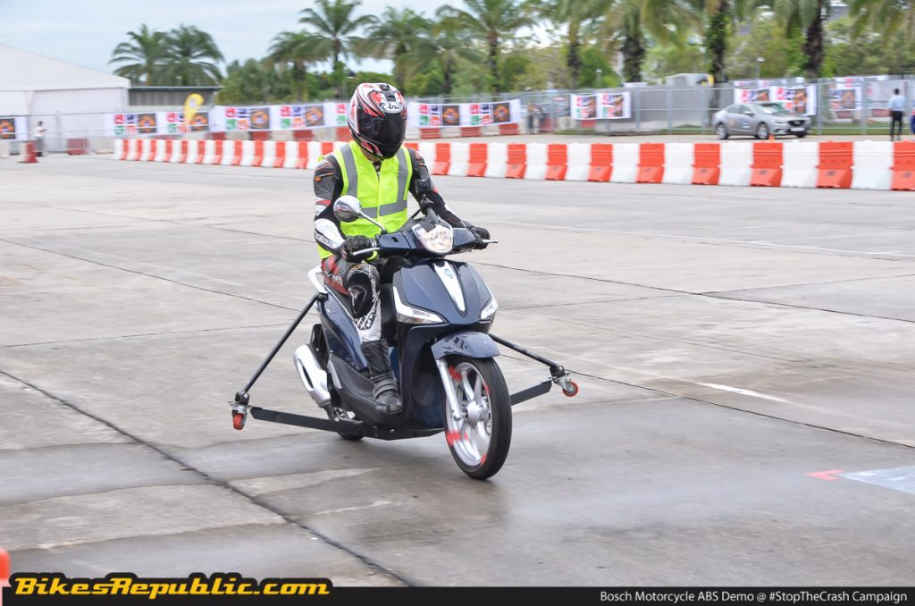 br_bosch_motorcycle_abs_demo_-3