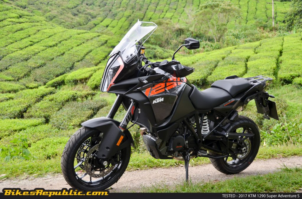 tested 2017 ktm 1290 super adventure s bikesrepublic. Black Bedroom Furniture Sets. Home Design Ideas