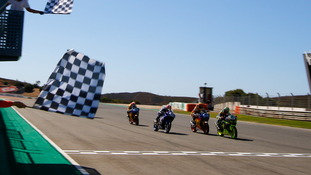 Worldssp300 Ana Carrasco Becomes The First Woman To Win A World Tutup Worldsbk Round Last Weekend Held At Iconic Autdromo Internacional Do Algarve In Portugal Saw Quite Few Historic Moments