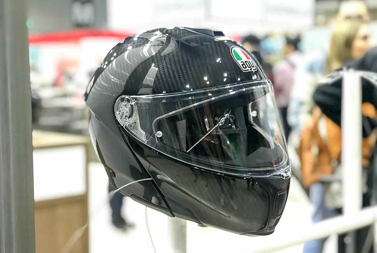 Agv Unveils World S First Full Carbon Fibre Flip Up Helmet Bikesrepublic