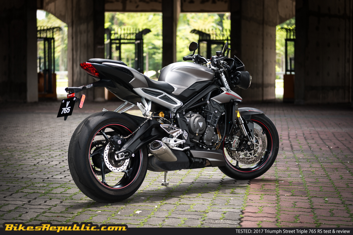 tested 2018 triumph street triple 765 rs test review bikesrepublic. Black Bedroom Furniture Sets. Home Design Ideas