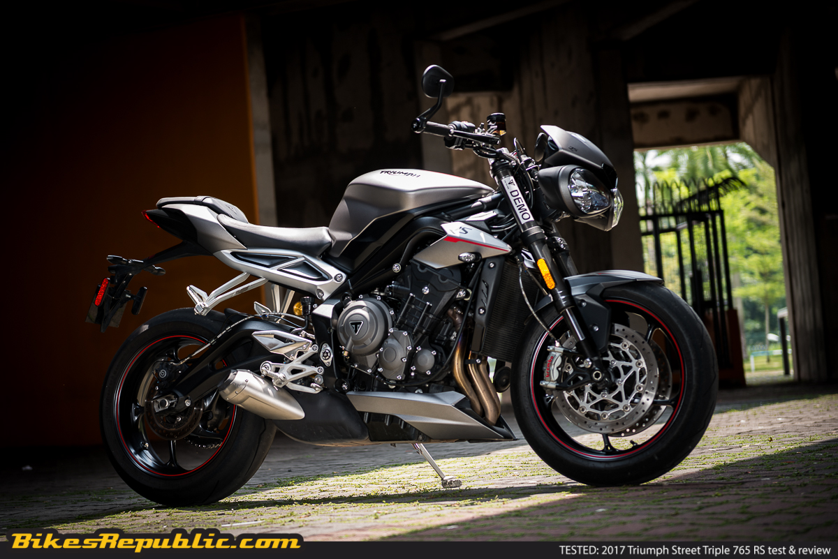 tested 2018 triumph street triple 765 rs test review. Black Bedroom Furniture Sets. Home Design Ideas