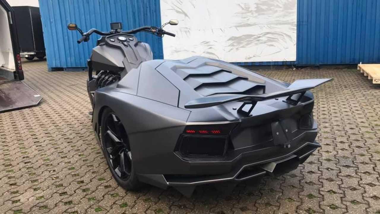 Boss Hoss Lamborghini When Bruce Wayne Is Jaded Bikesrepublic