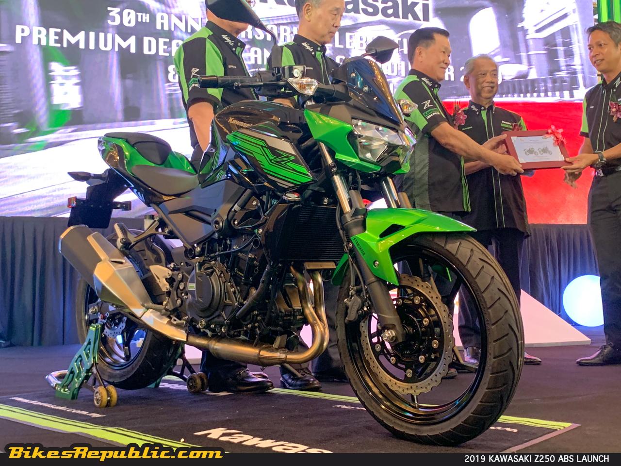 2019 Kawasaki Z250 Abs Kawasaki Z400 Se Abs Launched From Rm 21 998 00 Bikesrepublic