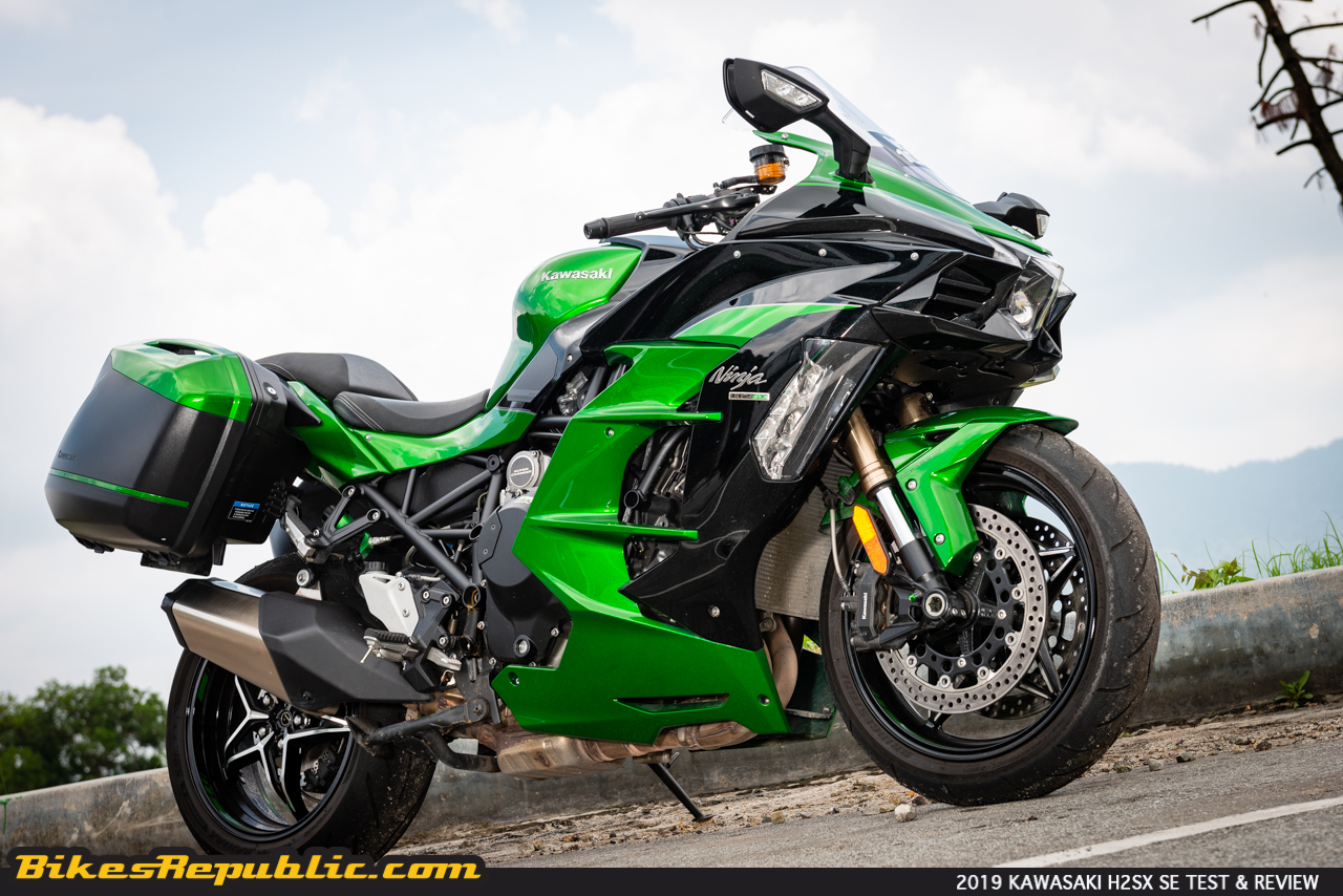 Kawasaki Ninja H2 Sx Se Test And Review Two Wheeled Space And Time