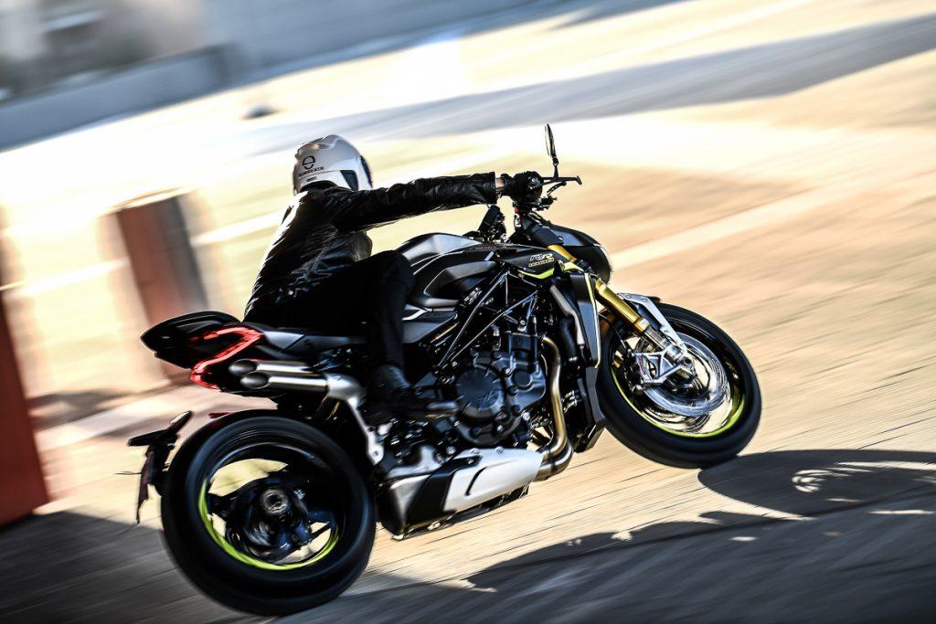 2020-mv-agusta-brutale-1000-rr-17 - BikesRepublic
