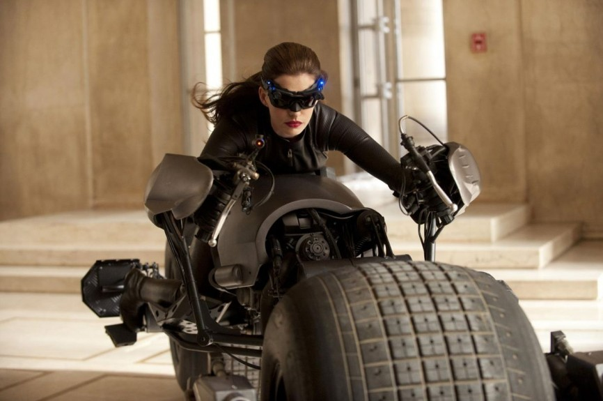 Anne-Hathaway-Catwoman-Batpod