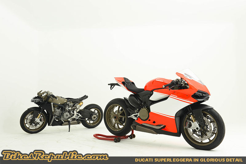 The concept Superleggera on the right, while its carbon-fibre, magnesium skeleton on the left.