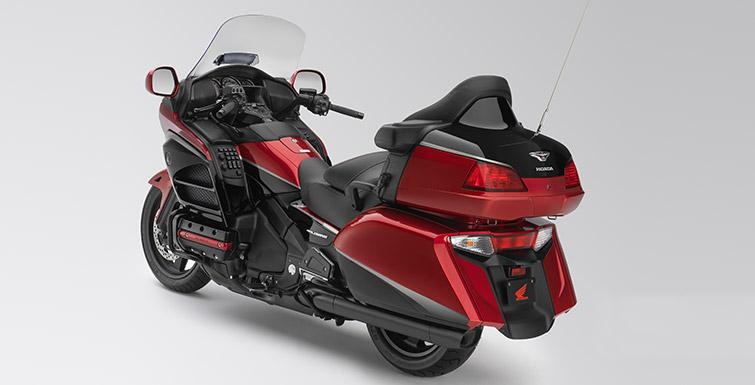 Honda-Goldwing-40th-Anniversary-Edition-4.jpg.pagespeed.ce.MUE8ar1Rq5