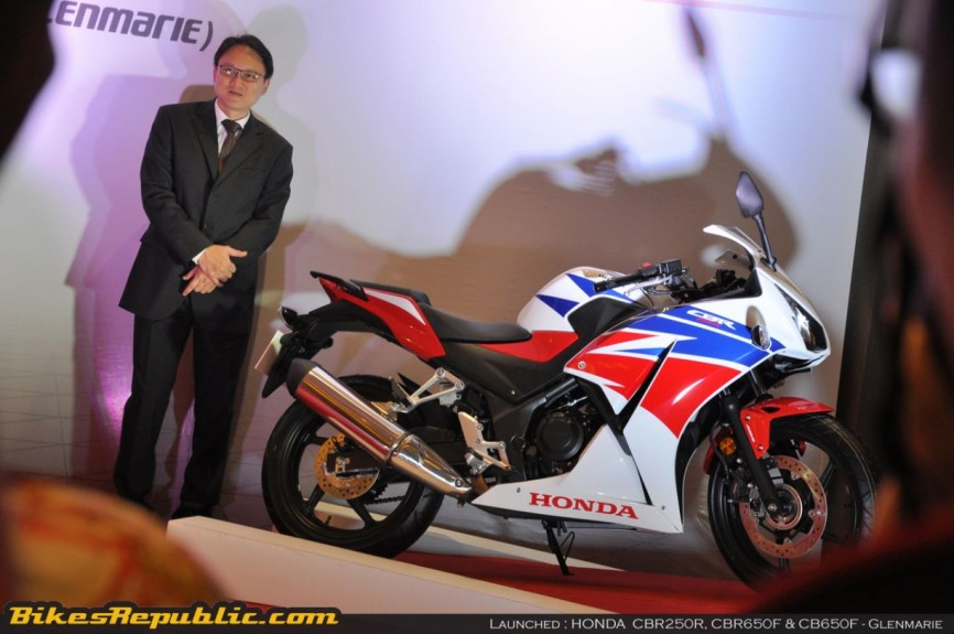 Honda launches 3 models00002