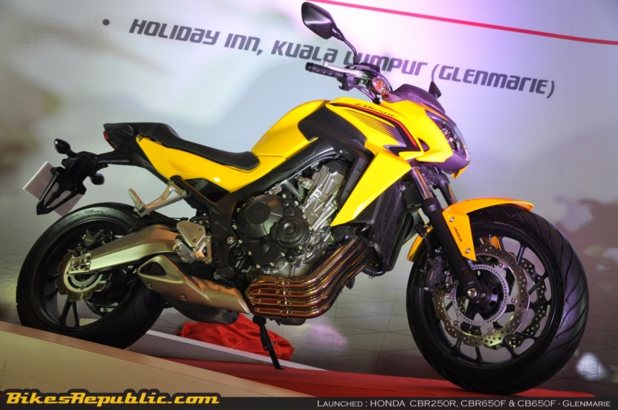 Honda launches 3 models00014