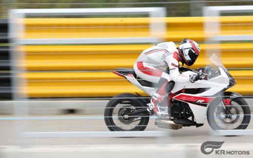 Hyosung-GD-250R-03-track-test