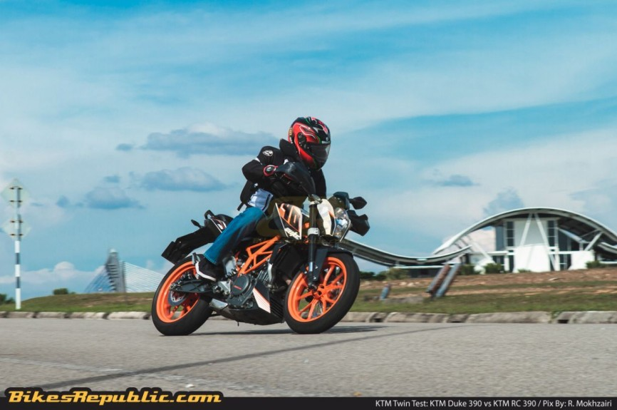 KTM_Twin_Test_Duke_390_001