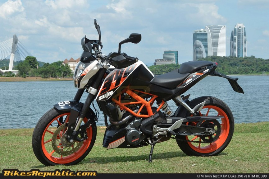 KTM_Twin_Test_Duke_390_008