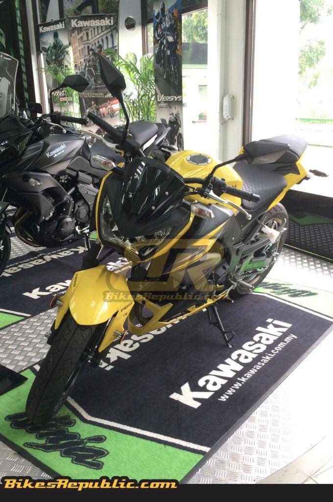 Kawasaki Ninja 300 And Z 300 Spotted In Malaysia