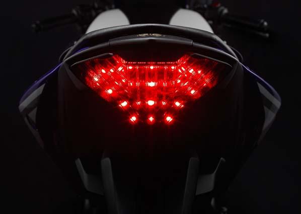 Yamaha-YZF-R25-03