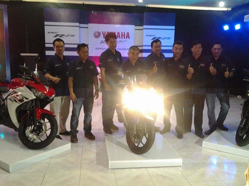 Yamaha-YZF-R25-launch-06