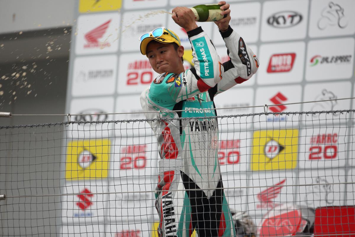 Yuki Ito celebrating his win at Suzuka