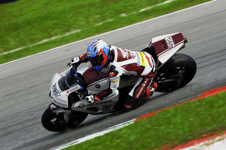 Zamri Baba onboard his Honda CBR600RR