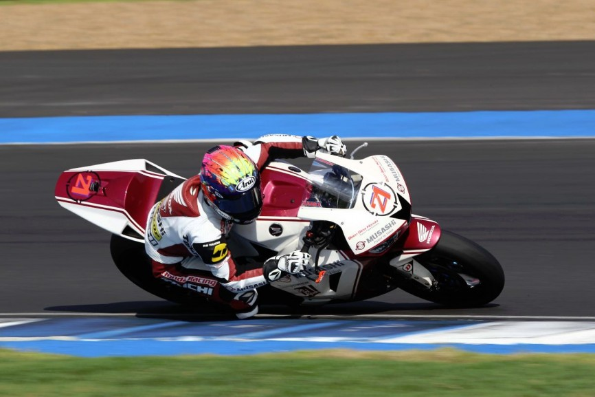 Zaqhwan in action during the SuperSports 600cc race in Thailand
